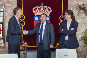 Alberto Velasco junto a Manuel Pérez mateos y Jorge Izquierdo Zubiate